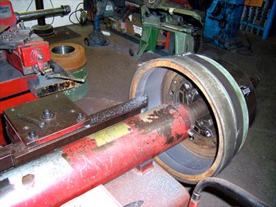 resurfacing a brake drum